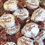 Walkers Treacle Toffee (Treacle Dabs) (100g Bag) (Best Before: 11.12.19)