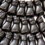 K&H Liquorice Cats (Dutch) (100g) (Best Before:  07.07.21)
